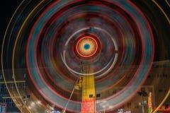 Verlichte carrousel bij nacht royalty-vrije stock foto