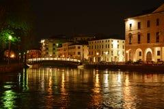 Verlichte Dante-brug, Treviso, Europa Stock Fotografie