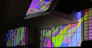 Verlichte Grossmarkthalle tijdens Luminale 2018 stock videobeelden