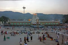 Verlichte Hindoese Tempel aan Lord Venkateswara in Tirumala, Andhra Pradesh, India Royalty-vrije Stock Foto