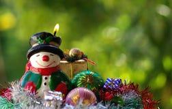 Verlichte Kerstmissneeuwman Royalty-vrije Stock Fotografie