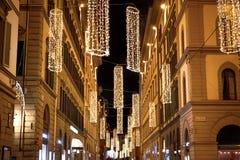Verlichte Kerstmisstraat in Florence stock afbeelding