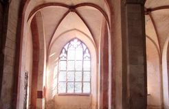 Verlichte stained-glass vensters Stock Afbeelding