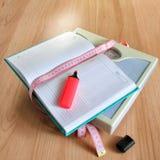 Verlierende Gewichtsfrauen des Tagebuchs Stockfotografie