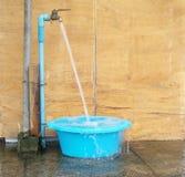 Verlierendes Wasser Stockfotos