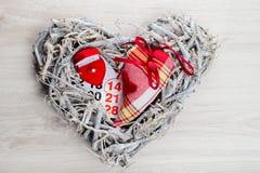Verlobungsring, Herz, Kalender am 14. Februar ein Geschenk für Valent Stockfotos