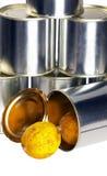 Verlopen citroen op een tinblik royalty-vrije stock afbeeldingen