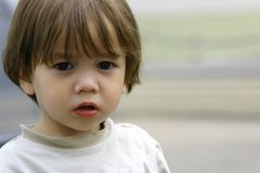 Verloren armen weinig kind Stock Fotografie