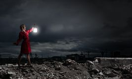 Verloren in der Dunkelheit Stockbild