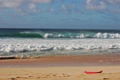 Verloren surfplank royalty-vrije stock afbeelding