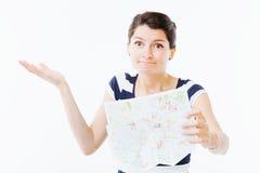 Verloren vrouw met kaart stock afbeelding