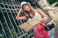Verlorener Frauen-Tourist Stockfotografie