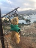 Verlorener Teddybär lizenzfreie stockbilder