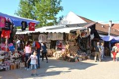 Vermarkten Sie nahe Kleieschloss, Haus von Dracula, Brasov, Siebenbürgen Stockfotografie