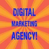Vermarktende Agentur Handschriftstext Digital Konzeptbedeutung hilft Geschäft, in genauem Zielgruppen Sonnendurchbruchfoto zwei s stockfotografie