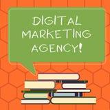 Vermarktende Agentur Handschriftstext Digital Konzeptbedeutung hilft Geschäft, in genauem Zielgruppen ungleichem Stapel von sich  vektor abbildung