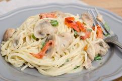 Vermecilli pasta på grå färgplattan Arkivfoto