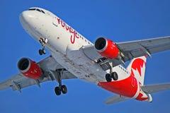 Vermelho Airbus A319-100 C-GBIN de Air Canada Fotografia de Stock Royalty Free