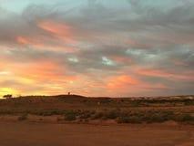 Vermelho ajustado do sol pedy de Coober Foto de Stock