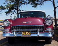 1955 vermelho antigo restaurado Chevrolet Belair Fotos de Stock Royalty Free