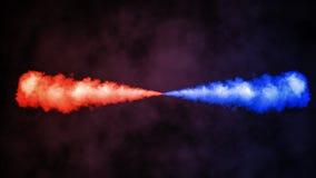 Vermelho contra a explosão azul isolada no fundo preto As brasas das partículas do fumo cobrem o efeito ilustração royalty free