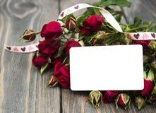 Vermelho cor-de-rosa e cartão foto de stock royalty free