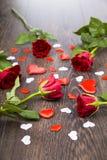 Vermelho cor-de-rosa e corações Fotografia de Stock Royalty Free
