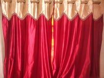 Vermelho da cortina Fotografia de Stock Royalty Free