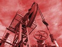 Vermelho da potência do petróleo fotografia de stock royalty free