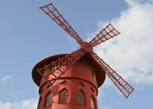 Vermelho de Moulin de Paris, França Fotografia de Stock Royalty Free