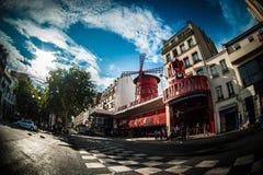 Vermelho de Moulin em Paris Fotos de Stock