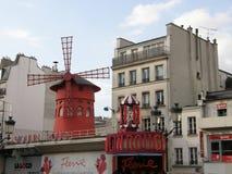 Vermelho de Moulin em Paris Fotografia de Stock