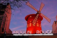 Vermelho de Moulin em Paris Fotos de Stock Royalty Free