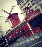 Vermelho de Moulin, Paris, França foto de stock royalty free