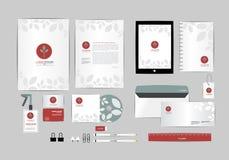 Vermelho e azul com molde da identidade corporativa das folhas para seu negócio inclui a tampa do CD, cartão, dobrador, régua, en Foto de Stock Royalty Free