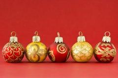 Vermelho e bolas do Natal do ouro II Foto de Stock Royalty Free