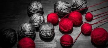 Vermelho e Grey Threads Fotografia de Stock Royalty Free