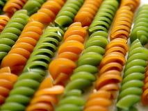 Vermelho e Linhas Verdes da massa de Fusilli Fotos de Stock Royalty Free