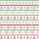 Vermelho e verde no teste padrão nórdico do Natal do fundo branco com flocos de neve e os ornamento decorativos das árvores do xm Imagens de Stock Royalty Free