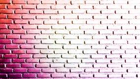 Vermelho morno e branco abstratos na parede de tijolo Imagens de Stock Royalty Free