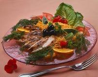 Vermicellis, nouilles avec des tranches de poulet photographie stock