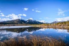 Vermilion See an Nationalpark Banffs, Alberta, Kanada lizenzfreie stockfotos