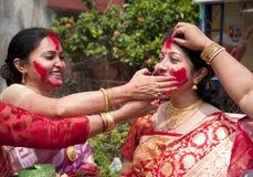 Vermilion sztuka podczas durga puja (Sindur khela) Obrazy Royalty Free