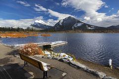 Vermillion Seen Autumn Rocky Mountain Getaway stockbilder