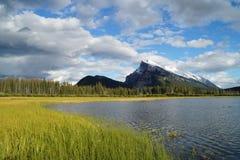 Vermillion sjöar, Banff Royaltyfri Fotografi