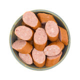 Verminderde de worstplakken van caloriekielbasa in een kom Stock Foto