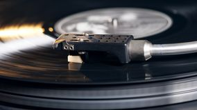 Verminderde patroon en een vinylschijf terwijl het spelen stock video