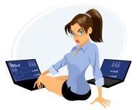 Vermittler mit zwei Laptops Lizenzfreies Stockbild