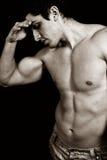 Vermoeide droevige vermoeide mannelijke bodybuilder royalty-vrije stock afbeeldingen