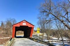 Vermont-überdachte Brücke Stockfotografie